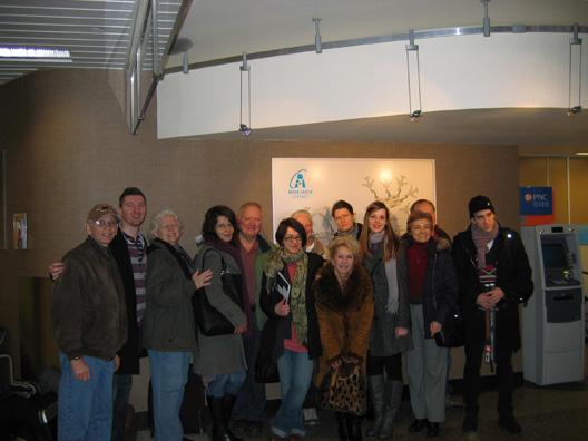 13-sa-host-porodicama-na-aerodromu-u-akronu