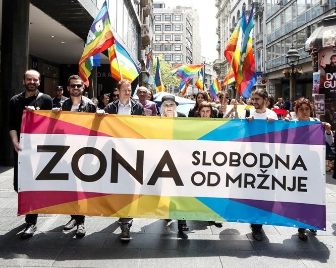 """Obeležen 27. jun – Međunarodni Dan ponosa akcijom """"Zona slobodna od mržnje"""" i šetnjom centrom Beograda"""