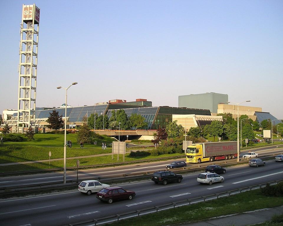 Posle više od četiri i po godine počelo suđenje za zabranu konferencije GSA u Sava centru; Sudija odložila glavnu raspravu