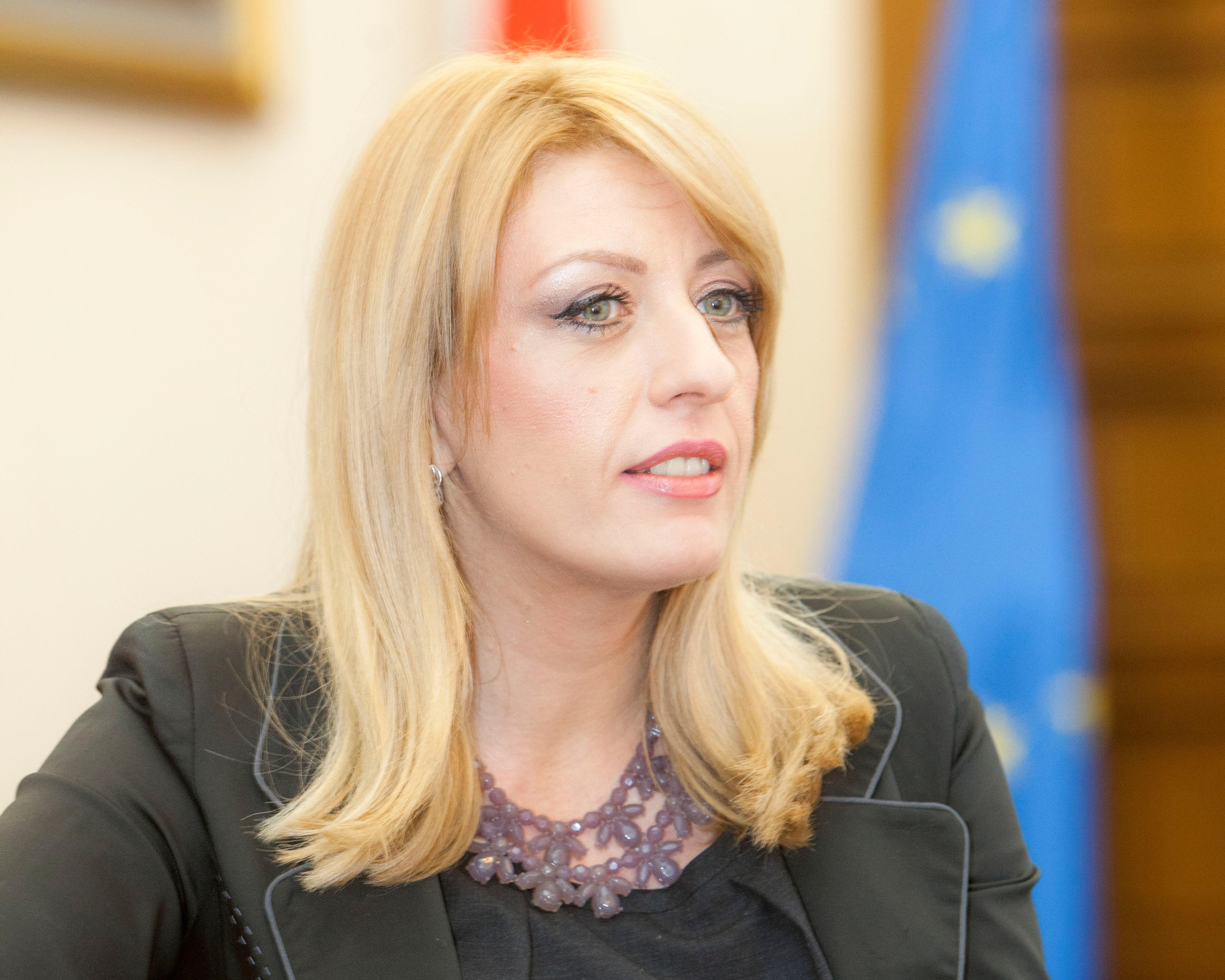 Ministarka Joksimović podržala Paradu ponosa i Ponos trans* osoba