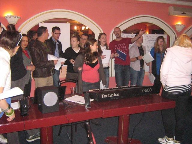 16-singing-in-choir