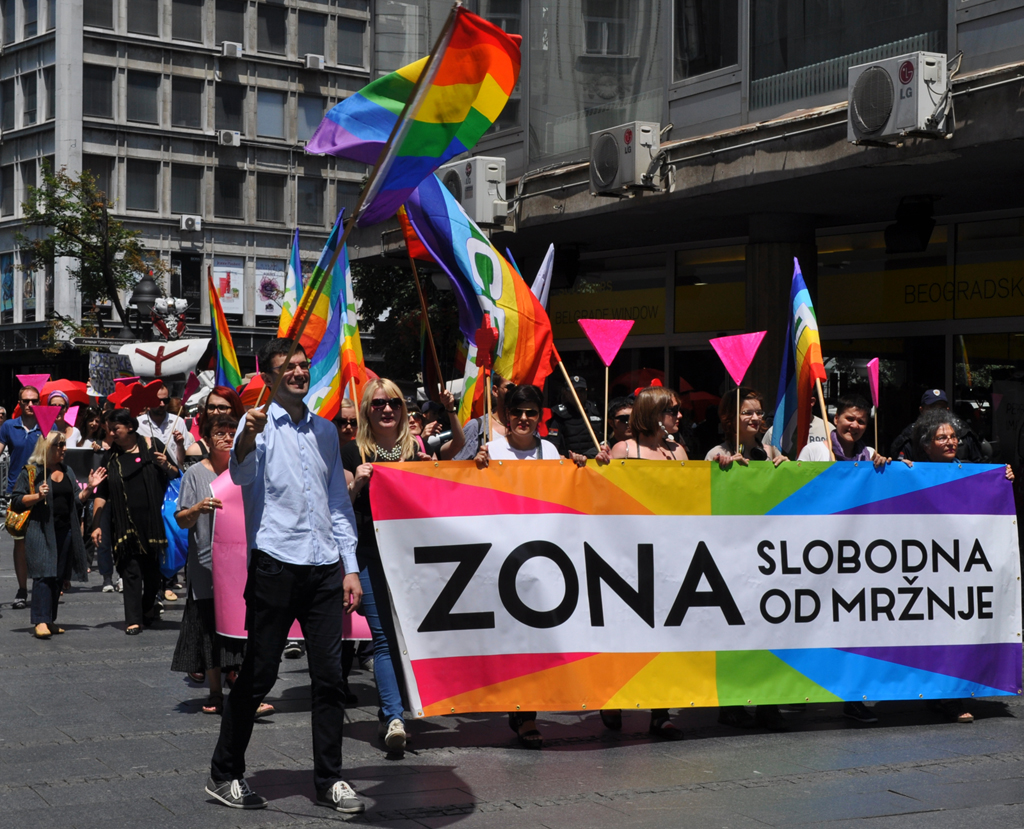 """Međunarodni dan ponosa LGBT osoba obeležen akcijom """"Zona slobodna od mržnje"""""""